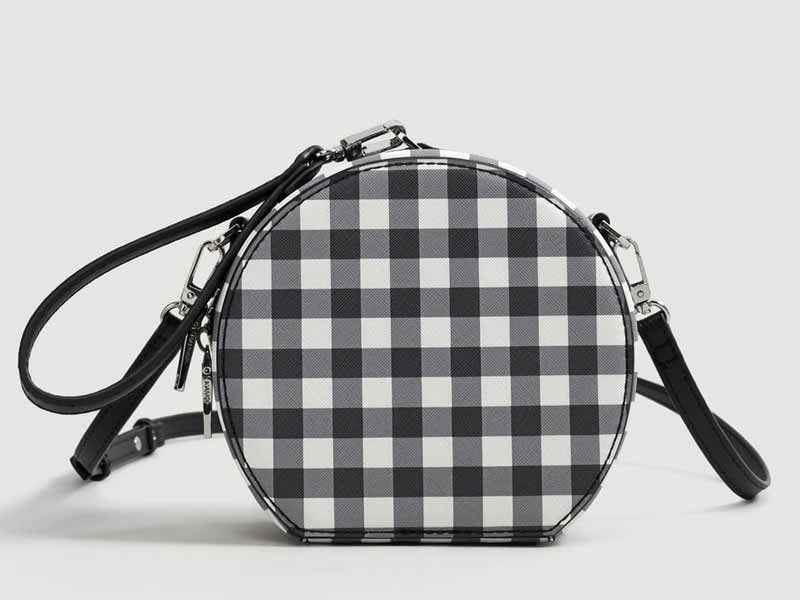 8b7640790cd61 Gingham bag by Mango, available at Mall of the Emirates and City Centres