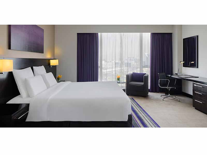 Make a reservation at Hotel Pullman Dubai Creek City Centre