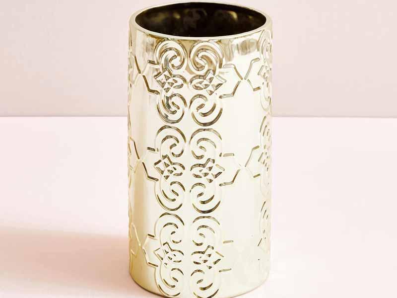 b04f3a9999542 وعاء للزهور من المعدن، من زارا هوم، في مول الإمارات ومول مصر ومراكز سيتي