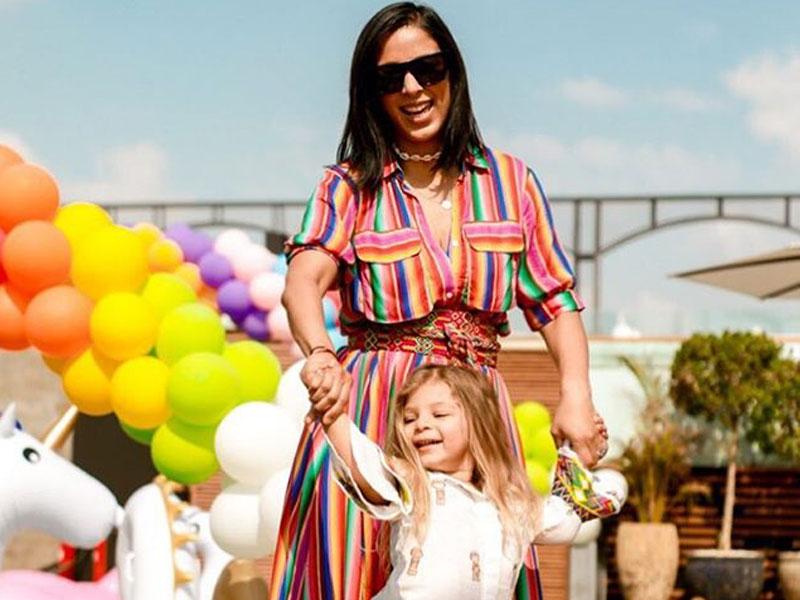d9bf89e68f174 تعرفي إلى أكثر الأمهات أناقة وتأثيراً في الإمارات العربية المتحدة