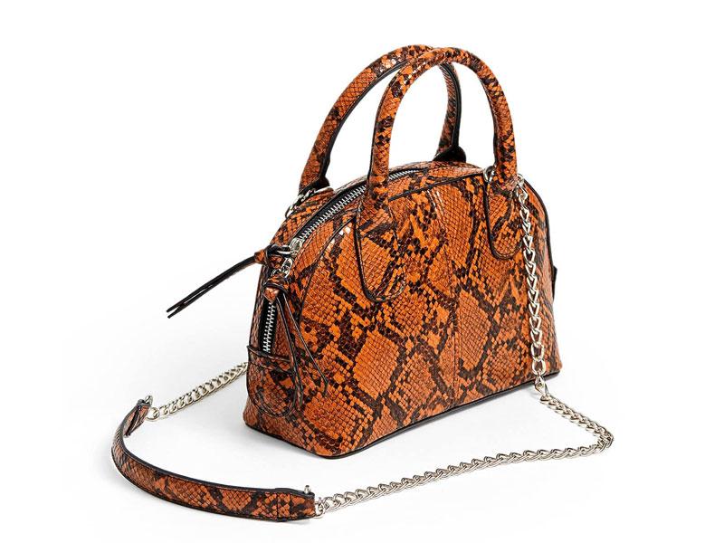 00d121483 حقيبة برتقالية اللون بنقوش جلد الأفعى، من ستراديفاريوس، في مول مصر ومراكز  سيتي سنتر
